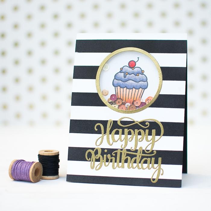 muffin mit kirsche, karten selbst gestalten, goldene buchstaben, schwarzer und lila faden