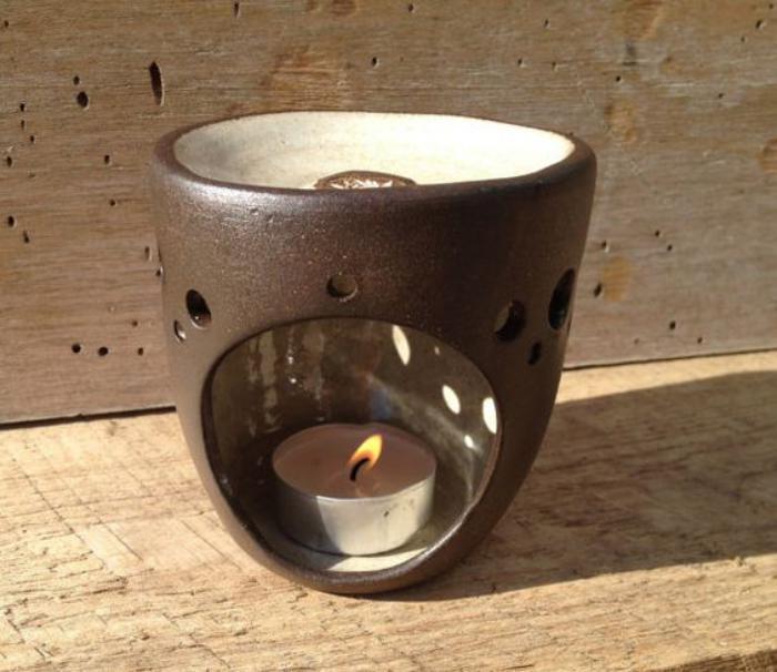 keramischer-Teelichthalter-mit-feiem-Design