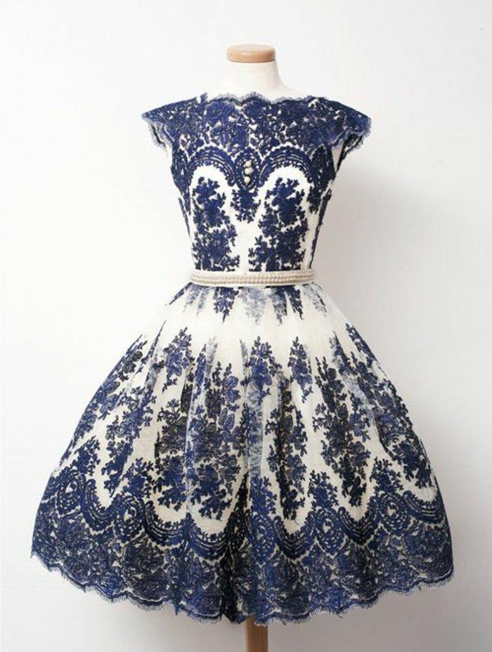 kleider-elegant-blau-weiss
