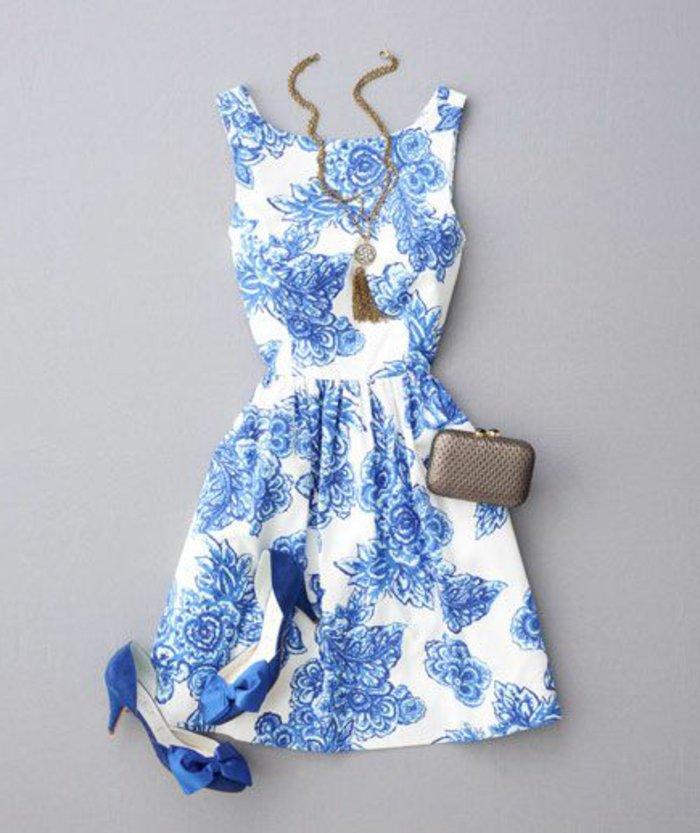 kleider-kurz-elegant-und-passende-blaue-schuhe