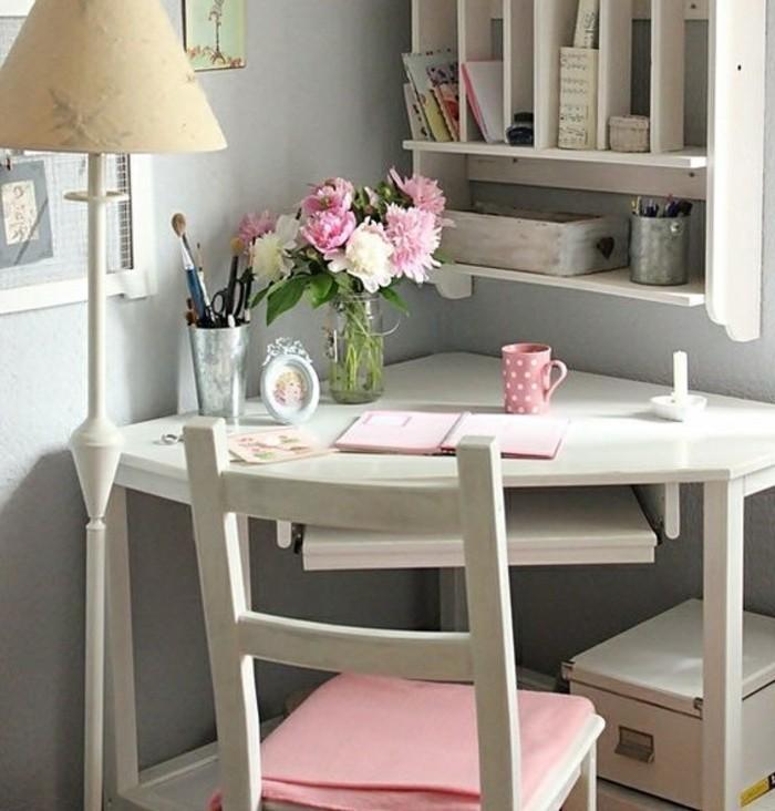 kleiner schreibtisch kompakt und sch n. Black Bedroom Furniture Sets. Home Design Ideas