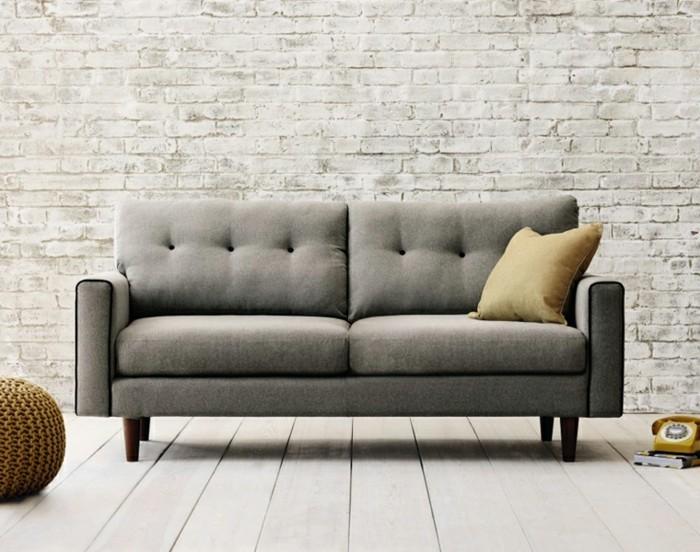kleines-Sofa-in-grauer-Farbe