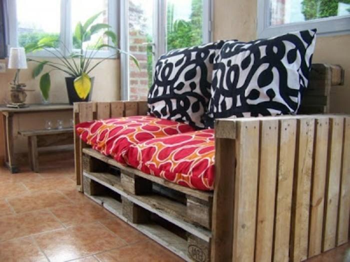 kreative-gestaltung-sofa-aus-europaletten-tolle-gartenmöbel