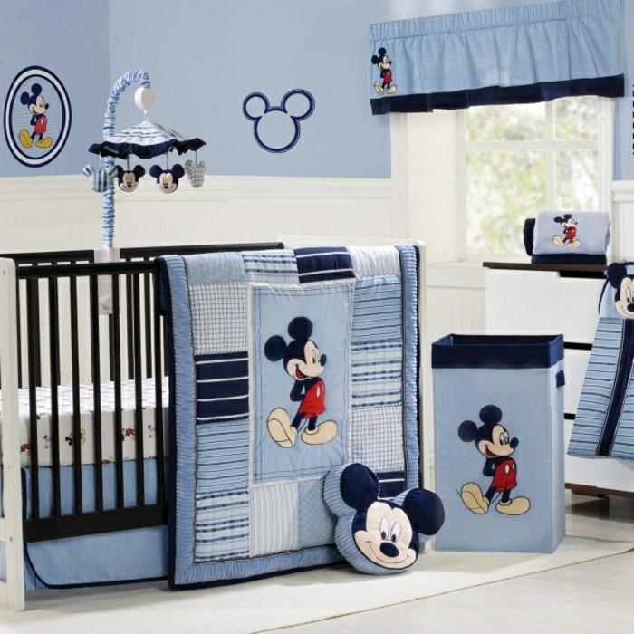kreative-schöne-babybetten-modernes-design-blaue-bettwäsche