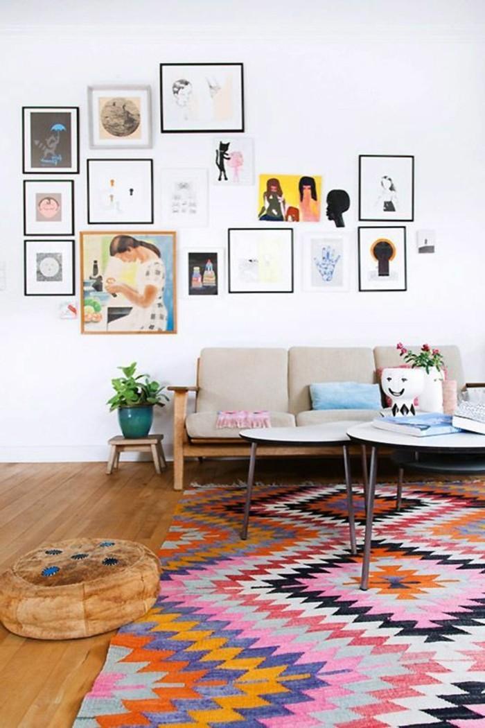 kreative-wohnzimmer-wände-gestalten-viele-tolle-bilder-an-der-weißen-wand