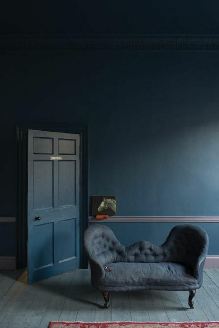 wandfarbe petrol wohnzimmer:retro sofa und einmalige wandfarbe petrol ...
