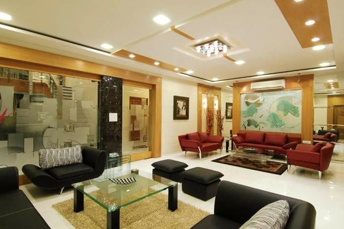 kreatives-modell-wohnzimmer-tolle-deckengestaltung