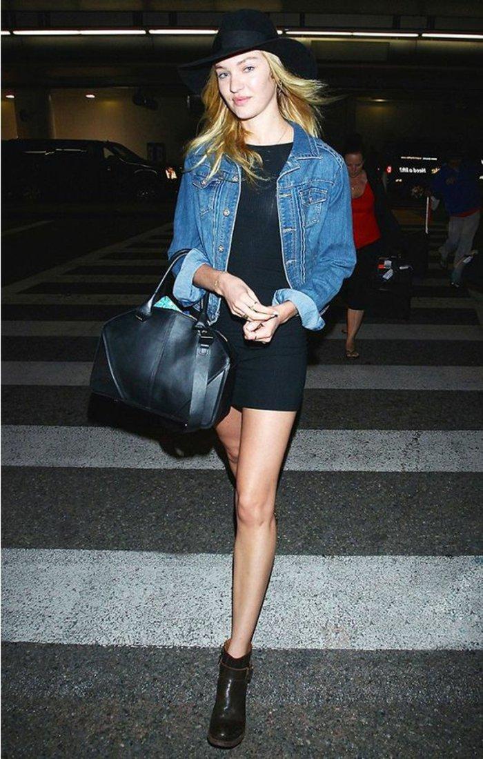 kurzes-schwarzes-Kleid-kurze-Jeansjacke