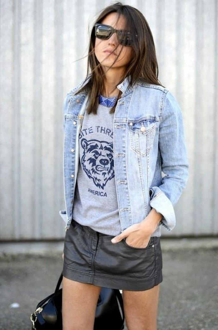 moderne-Damenjacke-aus-Denim-kurzer-Lederrock