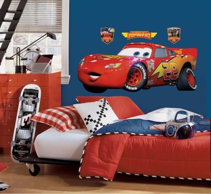 moderne-wandbilder-für-kinderzimmer-mit-rotem-rennauto