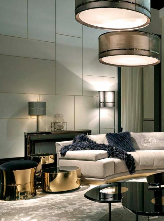 moderne-wohnzimmer-wandgestaltung-große-platten-hängende-leuchten