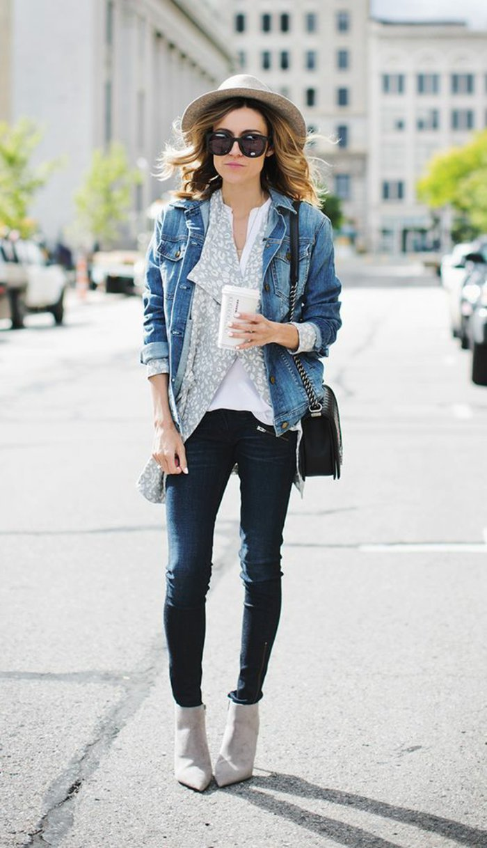 moderner-Outfit-mit-viel-Denim