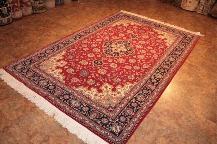 orientteppich-auf-dem-Boden-mit-Balatum-bedeckt