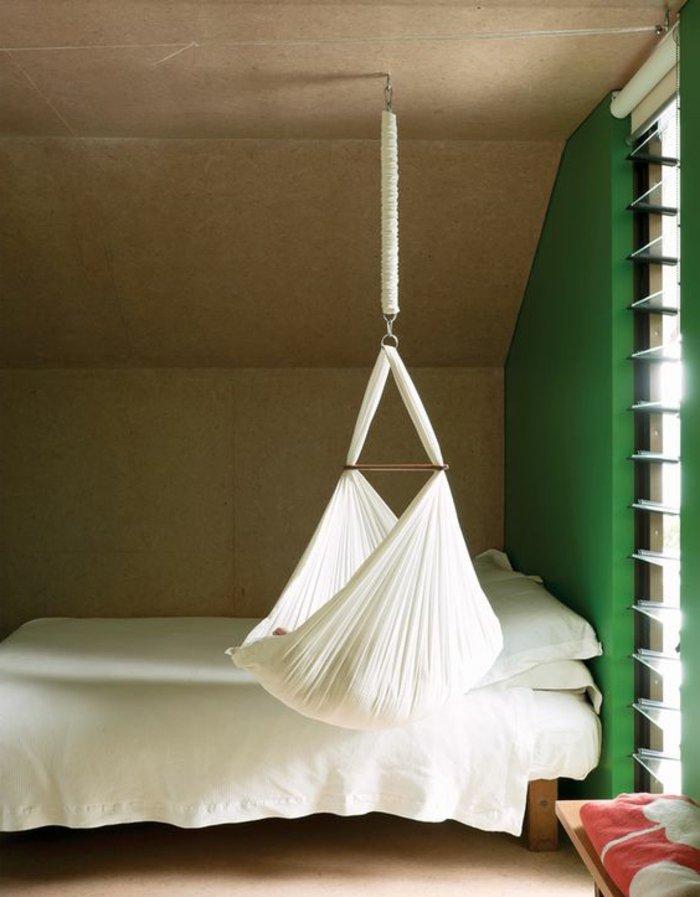 originelle-Idee-für-hängendes-Babybett