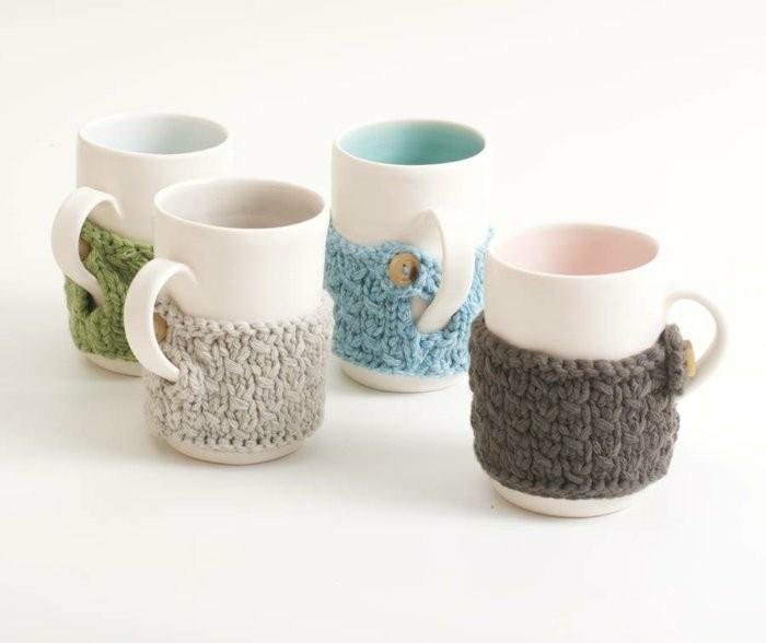 personalisierte-Espressotassen-mit-dekorativen-Pullovern
