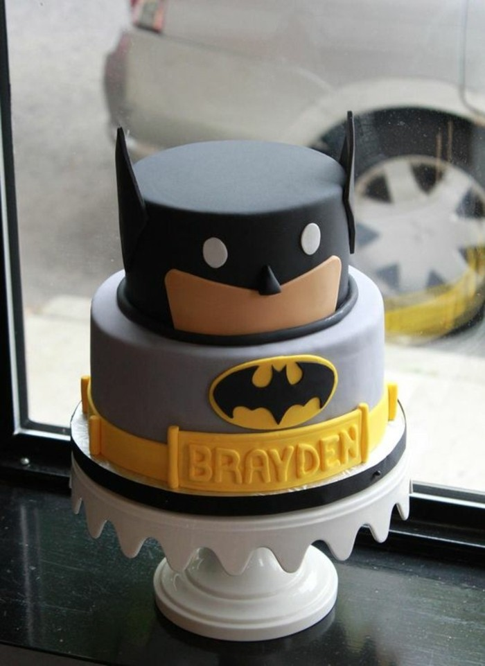 personalisierter-Kuchen-für-Kindergeburtstag-Batman