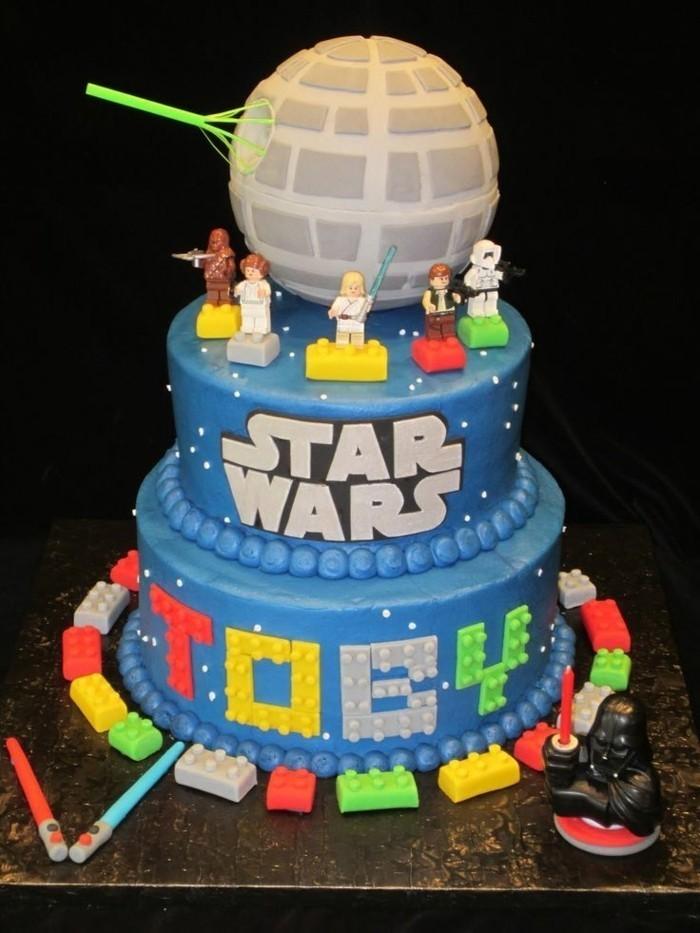 personalisierter-Kuchen-für-Kindergeburtstag-mit-Star-Wars-Motiven