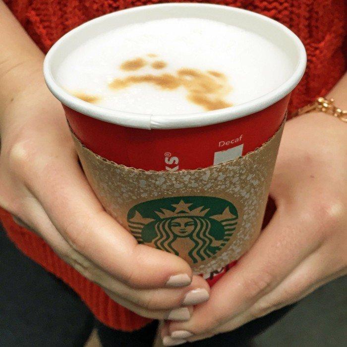 personalisierter-Macchiato-von-Starbucks-für-Fans