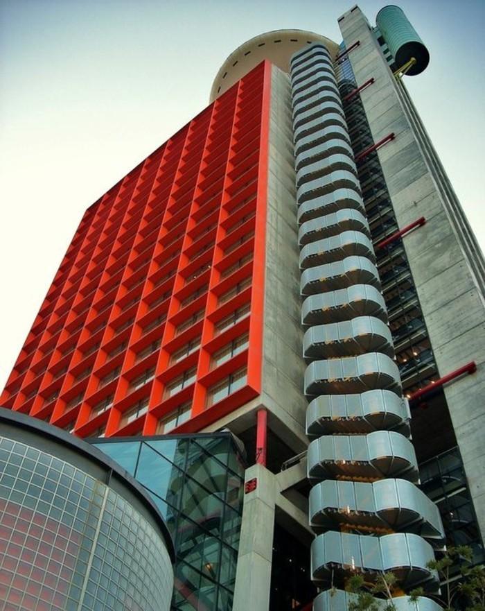 postmoderne-architektur-merkmale-viele-Ornamente