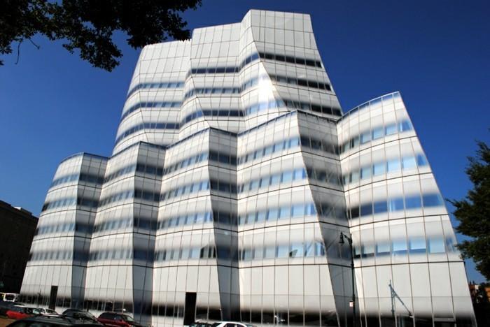 postmoderne-architektur-wie-einen-Schiff-aussehend