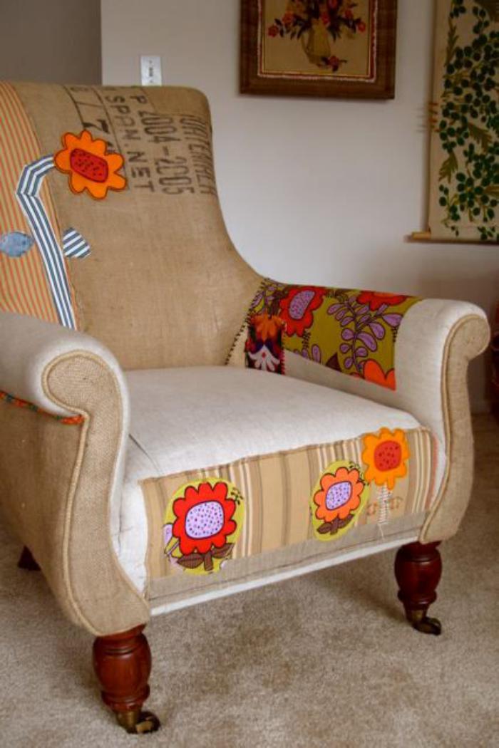 retro-Sessel-mit-lustigem-Muster