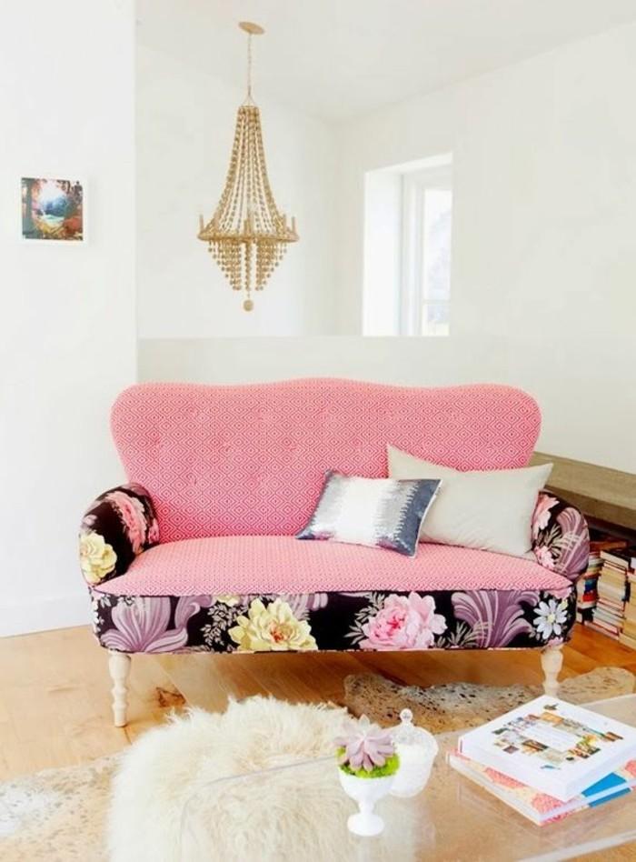 rosa-Zweisitzer-Sofa-zum-Mädchenzimmer