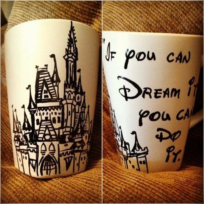 süße-Kaffeebecher-mit-Disney-Muster