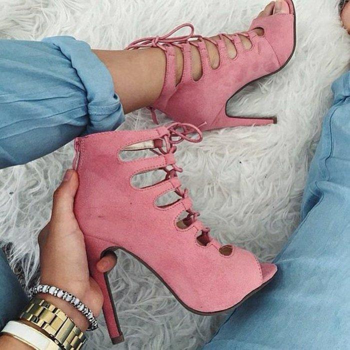 süßes-Modell-Sandaletten-in-rosa-für-Sommer-2016