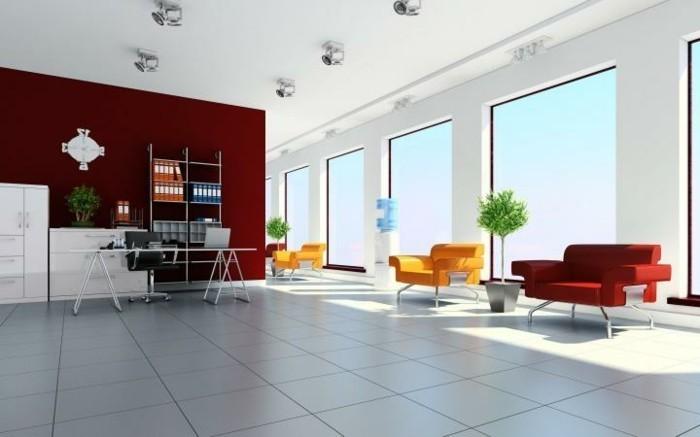 schön-komposierte-Büro-Atmosphäre-mit-zimmerpflanzen
