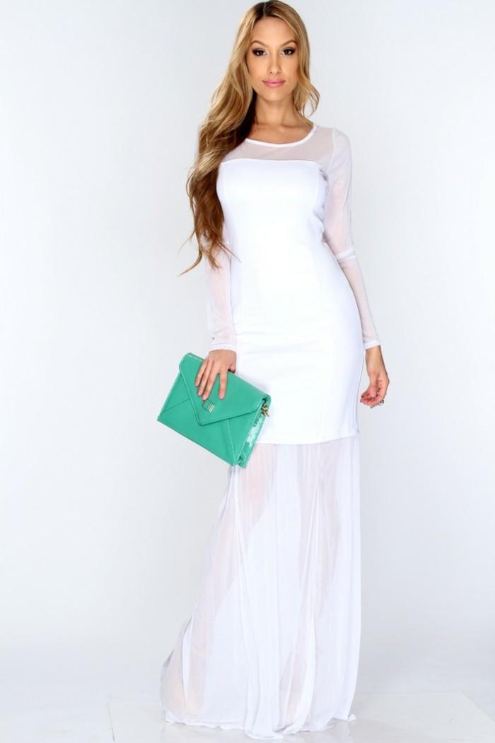 schönes-weißes-kleid-elegante-frau-mit-langen-blonden-haaren
