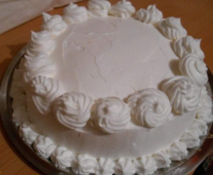 schnelle-torte-in-weißer-farbe