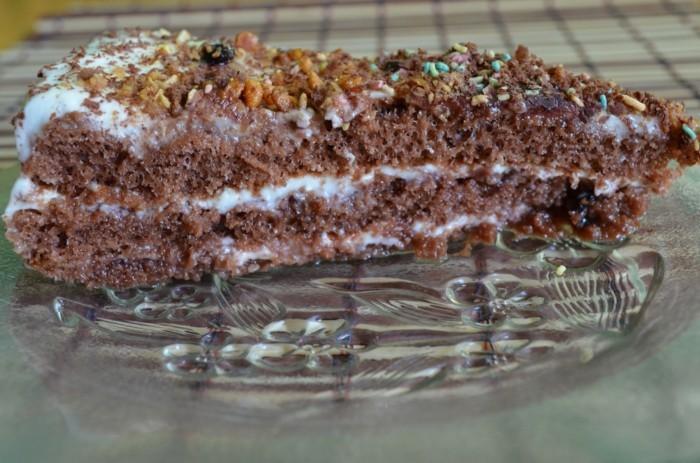schnelle-torte-mit-karoten-und-weißer-Creme