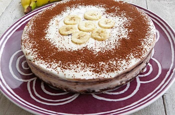 schnelle-torte-mit-weißer-Creme-und-Cimt