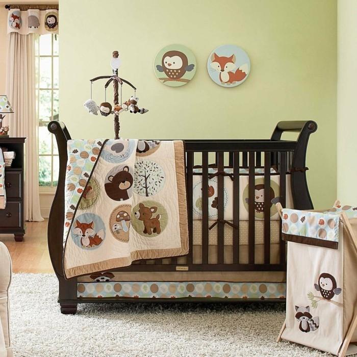 sehr-schöne-und-interessante-babybetten-grüne-wände