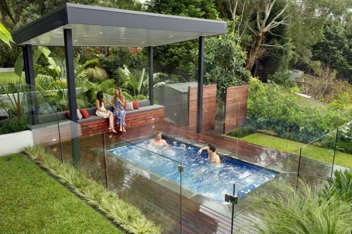 sehr-schönen-vorgarten-anlegen-grünes-gras-pool-modell