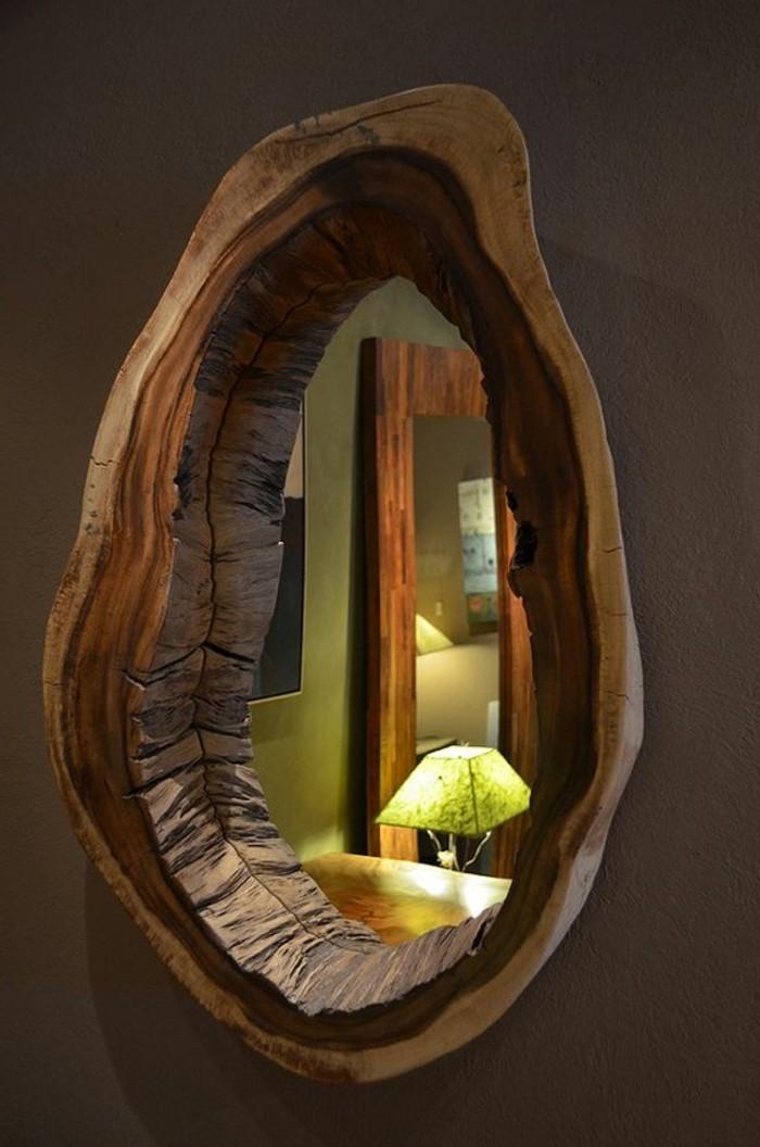 spiegel-mit-holzrahmen-sehr-natürlich-aussehend
