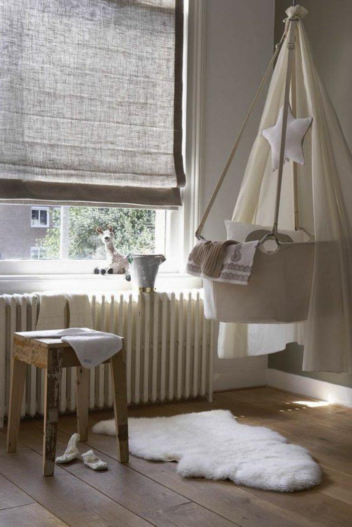 stilvolles-Babyzimmer-Interieur-Baby-Himmelbett