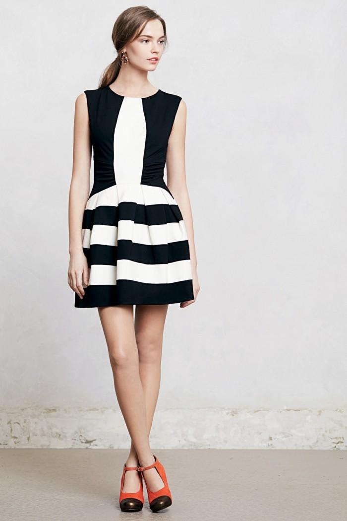 tolles-kleid-in-weiß-und-schwarz-kurzes-effektvolles-design