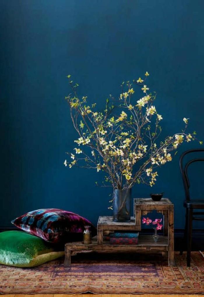 Die wundersch ne und effektvolle wandfarbe petrol for Wandfarbe deep