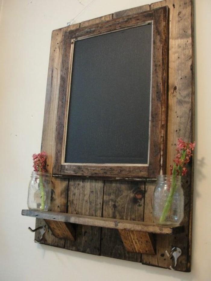 spiegel mit holzrahmen praktisch und elegant. Black Bedroom Furniture Sets. Home Design Ideas