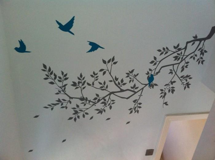 wandtattoos-flur-fliegende-vögel-über-einen-baum