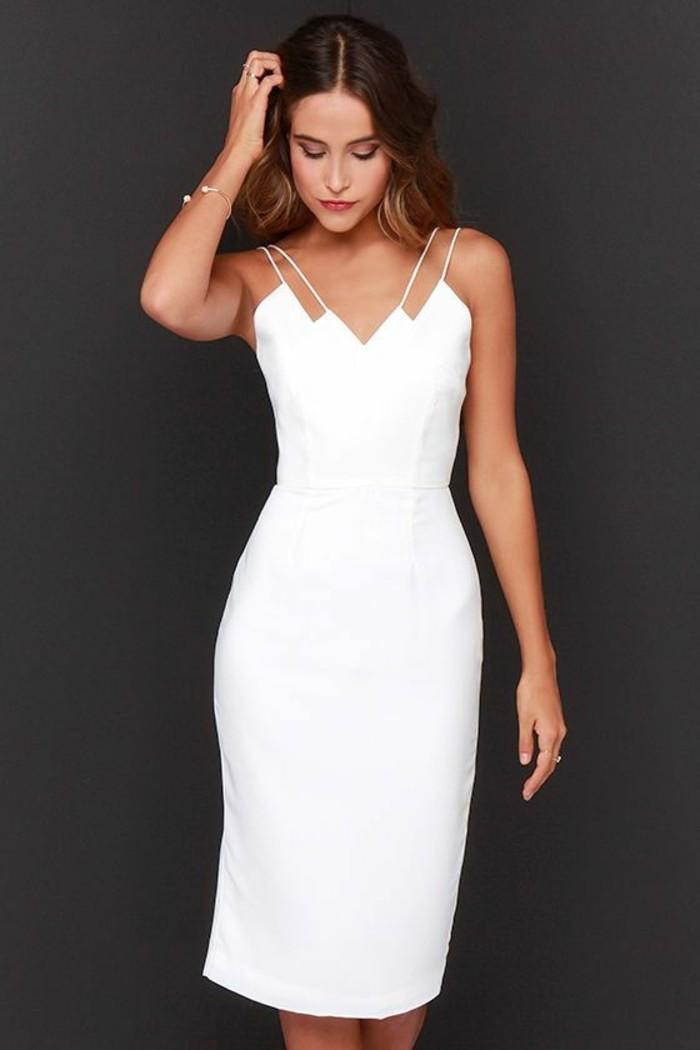 weiße-gestaltung-tolle-kleider-in-weiß-schwarzer-hintergrund