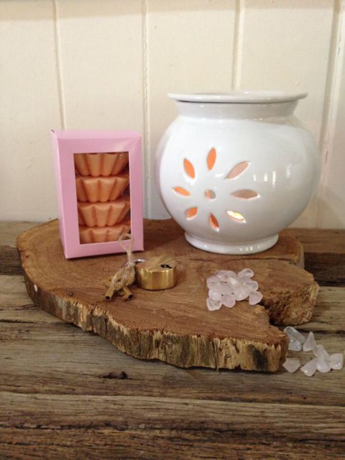 weißer-Teelichthalter-mit-gerundetem-Design