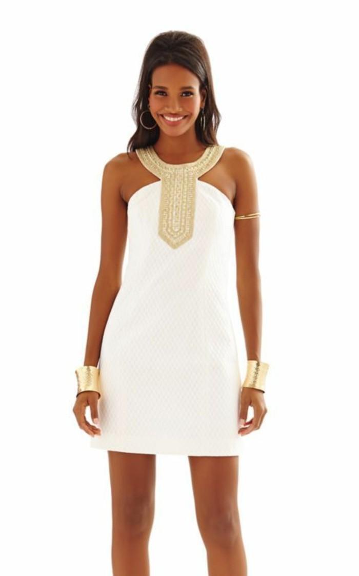 weißes-kleid-elegant-mit-goldenen-elementen