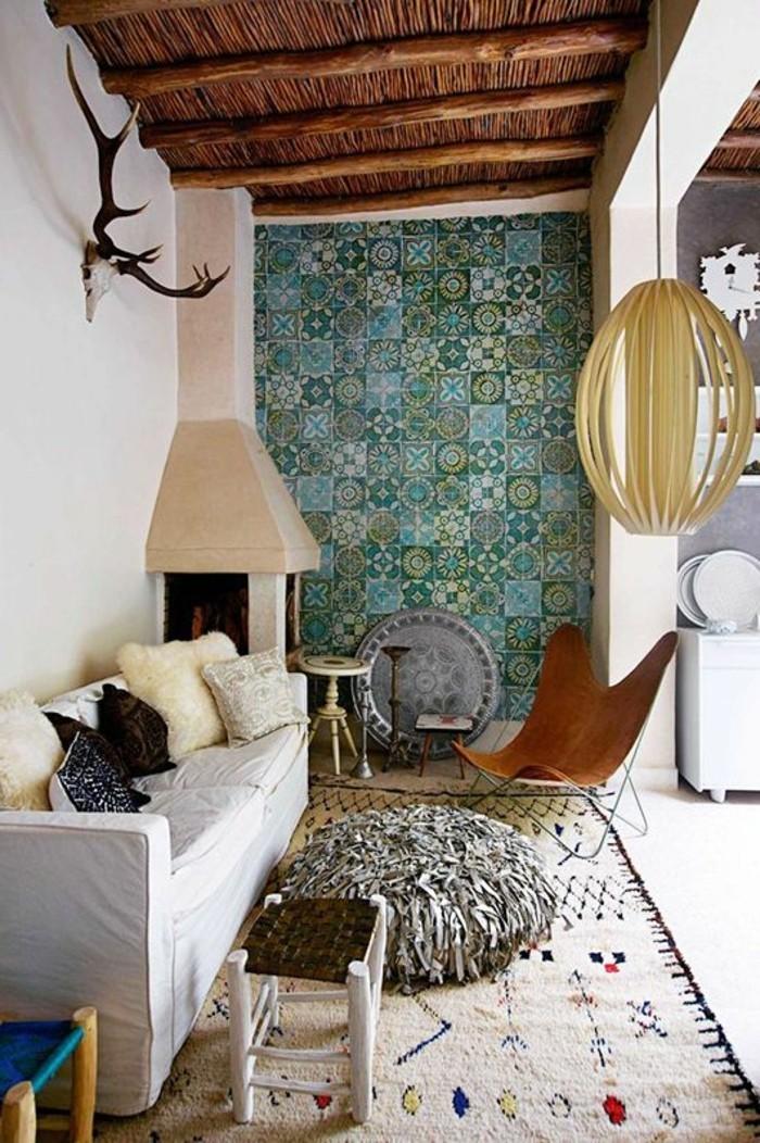wunderschöne-wohnzimmer-wandgestaltung-blaue-tolle-wandtapete