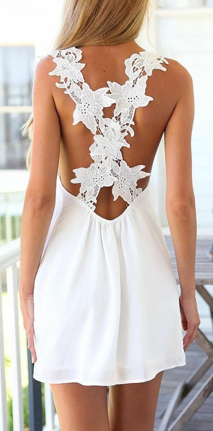 wunderschönes-design-weißes-kleid-interessanter-rücken