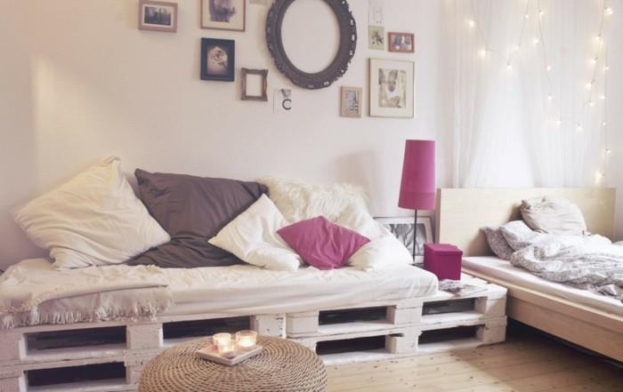 wunderschönes-sofa-aus-europaletten-im-hellen-effektvollen-zimmer