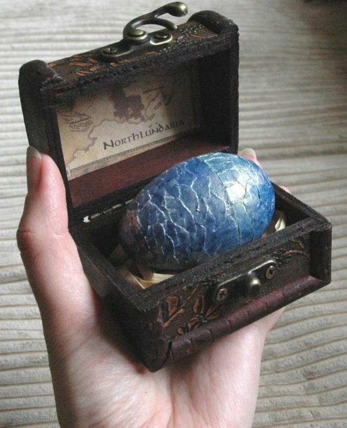 Ausgefallene-Geburtstagsgeschenke-ein-Ei-aus-Drachen