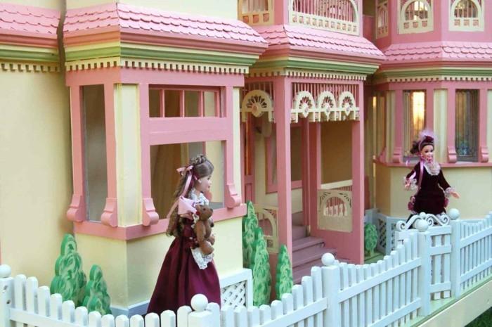 Barbie-Puppenhaus-aus-der-alten-Zeiten