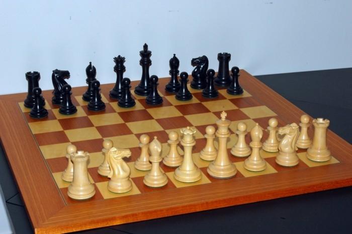 Beliebte-Brettspiele-Schach-am-Start